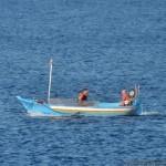Bocale(Rc) spiaggia Calypso: barca da pesca in mar