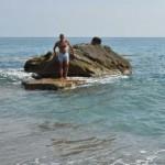 Capo Bruzzano-Bianco: spiaggia con strani scogli