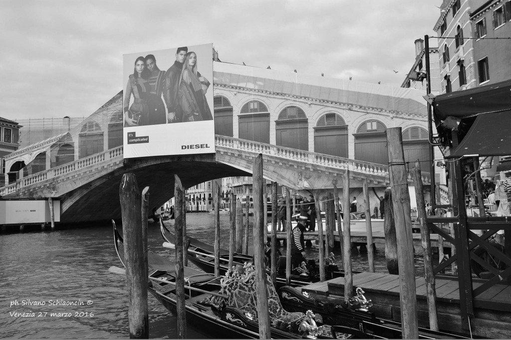 Venezia_giochi_in_bianco_e_nero_foto_20