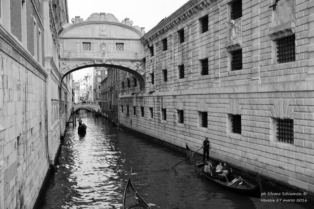 Venezia_giochi_in_bianco_e_nero_foto_33