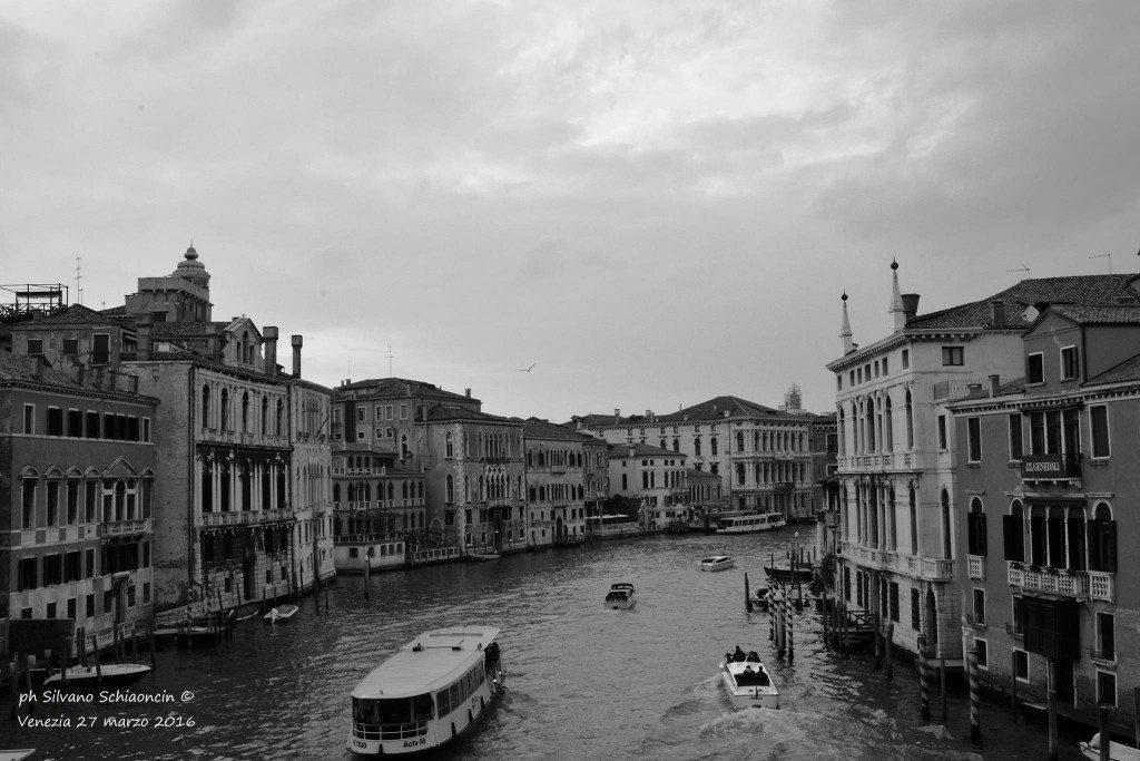 Venezia_giochi_in_bianco_e_nero_foto_45