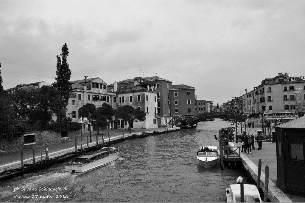 Venezia_giochi_in_bianco_e_nero_foto_53